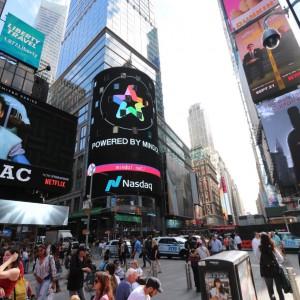 ミンドルニューヨークタイムズスクエア-グラトレメディア